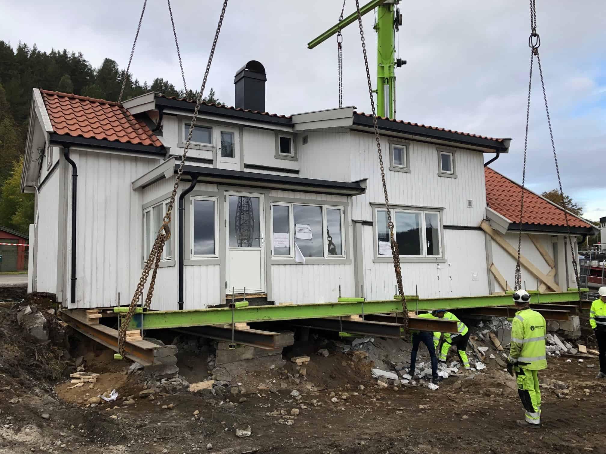 Kynningsrud Nordic Crane flytter hus
